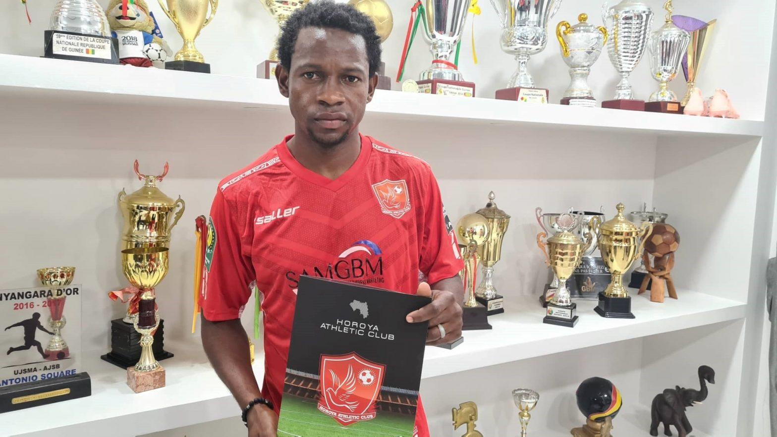 Horoya AC  Ibrahima Sory Doumbouya et Mohamed Coumbassa signent pour trois saisons(guineenews.org)