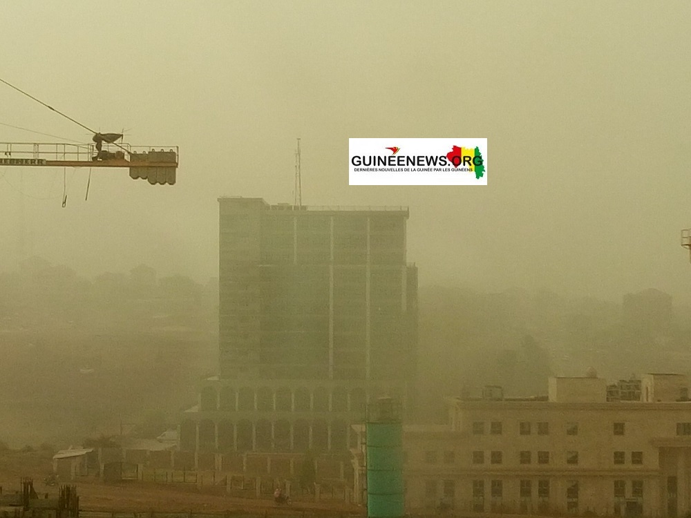 Environnement  Conakry sous un épais nuage de poussière(guineenews.org)