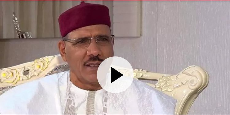 (rfi.fr)[Entretien exclusif] Niger le président élu Mohamed Bazoum demande aux Français de maintenir leur dispositif aérien