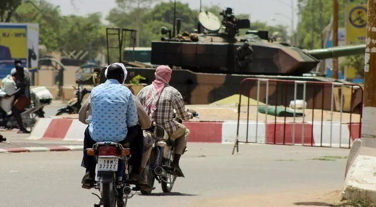 (rfi.fr)Tchad Ndjamena plongée dans l'incertitude après la mort d'Idriss Déby