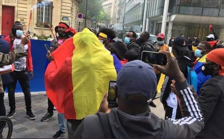 (rfi.fr)Mort d'Idriss Déby les Tchadiens de la diaspora espèrent un avènement démocratique