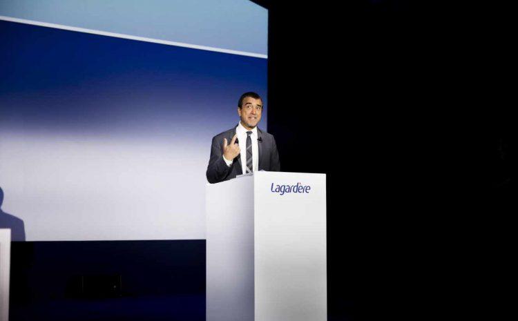 (monde.fr)Arnaud Lagardère prêt à renoncer aux pleins pouvoirs pour éviter le démantèlement de son groupe.