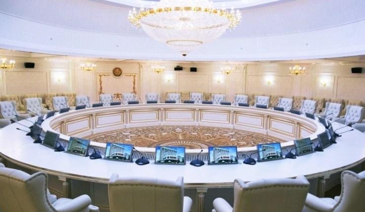 (Reseauinternational)Il y a les mensonges, les gros mensonges et les commentaires de l'Ukraine sur les résultats du groupe de contact trilatéral