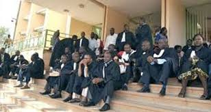 (Guineenews.org)Justice – Grève  pourquoi les avocats ont emboîté le pas aux huissiers