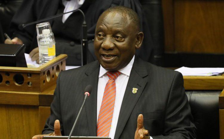 (rfi.fr)Afrique du Sud: l'unité de l'ANC en jeu dans le face-à-face Ramaphosa vs Zuma.