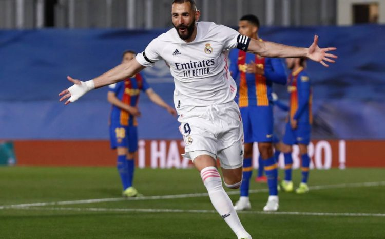 (Forbes.fr)Karim Benzema lors du classico Real Madrid-Barcelone le 10 avril 2021.