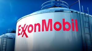 (rfi.fr)Le géant pétrolier ExxonMobil attaqué par les actionnaires.