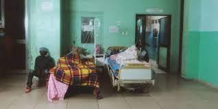 (monde.fr)A Madagascar, des hôpitaux sous-équipés et débordés face à l'afflux des malades du Covid-19.