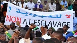 (rfi.fr)Mauritanie: les Haratines manifestent pour demander l'application de la réforme foncière.