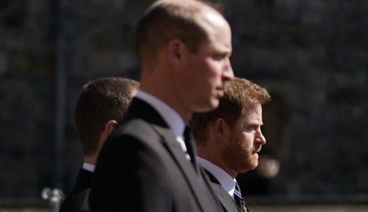 (voici.fr)Obsèques du prince Philip : Harry prêt à se réconcilier pour de bon avec William? Ces signaux envoyés après la cérémonie