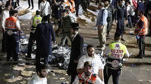 (rfi.fr)Israël: une bousculade géante fait des dizaines de morts pendant une fête religieuse.