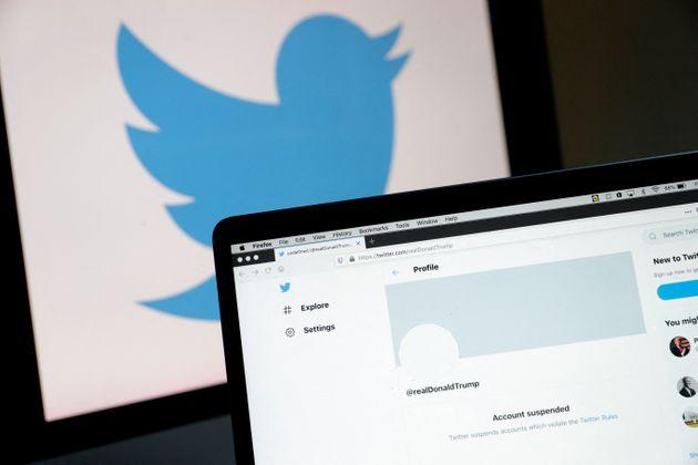 (HuffSpot)Donald à nouveau banni de Twitter, qui supprime le compte de son blog