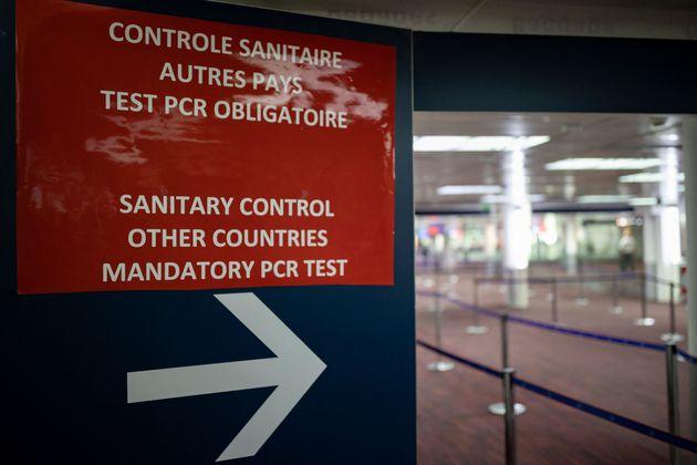 (HuffSpot)La quarantaine obligatoire en France étendue aux arrivants de sept nouveaux pays