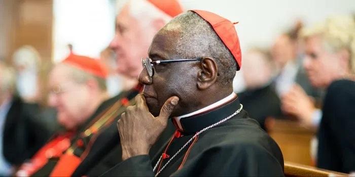 (mosaiqueguinee.com)Le cardinal Sarah nommé à la Congrégation pour les Églises orientales