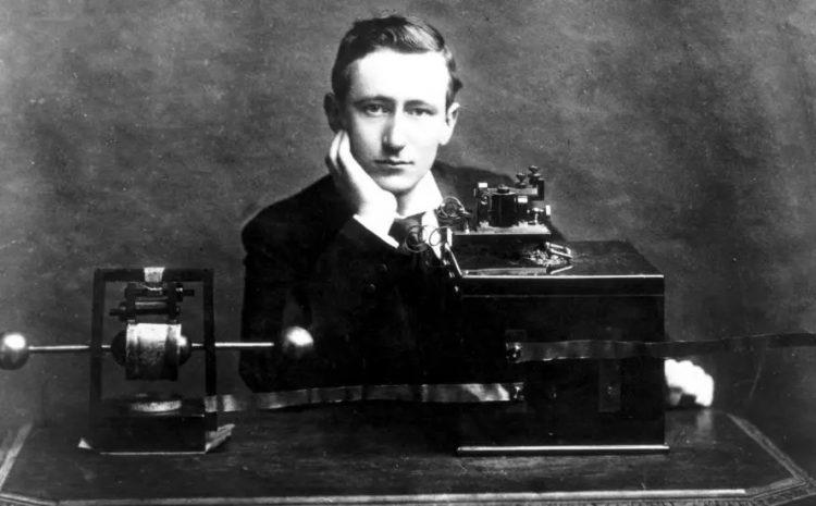 (rfi)100 ans de la radio: une longue histoire qui continue