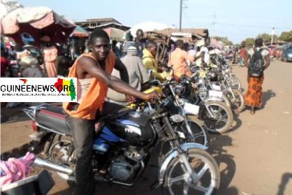 (Guineenews.org)Fermeture des frontières avec Bissau : le malheur des automobilistes, l'heur des taxis motos de Boké