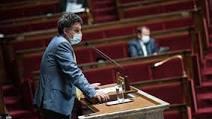 (rfi.fr)Emmanuel Macron défend l'enseignement immersif des langues régionales.