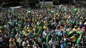 (rfi.fr)Jair Bolsonaro, personnage central de la fête du Travail au Brésil.