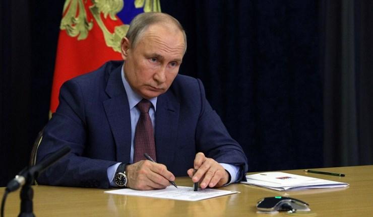 (Reseauinternational)Poutine est entièrement d'accord avec moi