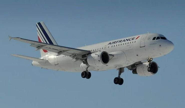 (Reseauinternational)La Russie refuse l'entrée de deux autres vols Paris-Moscou d'Air France qui voulaient éviter la Biélorussie