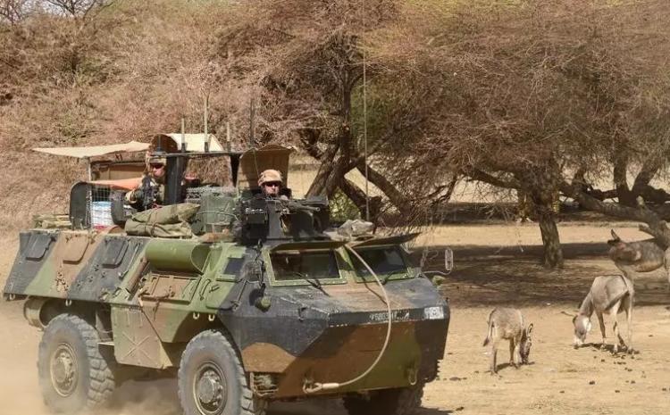 (rfi.fr)Fin de Barkhane: le Mali face au désengagement militaire français au Sahel