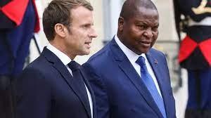(rfi.fr)Malgré des signes d'apaisement, la tension reste forte entre la France et la Centrafrique.
