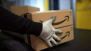 (rfi.fr)Travail: Amazon revoit à la hausse les temps de pause de ses employés.