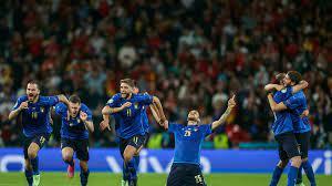 (rfi.fr)Euro 2021: l'Italie élimine l'Espagne et va en finale.