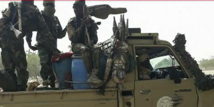 (rfi.fr)Tchad: une vingtaine de militaires tués après une attaque de Boko Haram
