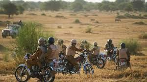(rfi.fr)Burkina Faso: au moins 47 civils et militaires tués dans une attaque dans le Sahel.