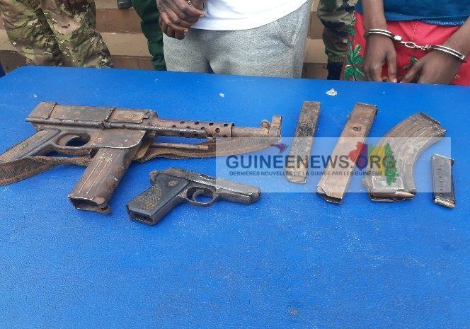 (Guineenews.org)Mamou : des présumés braqueurs interpellés avec un important arsenal militaire