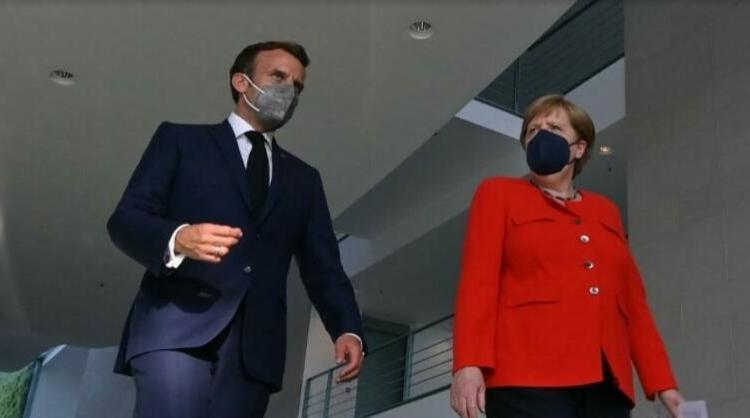 (rfi.fr)La chancelière Angela Merkel à Paris pour un dernier dîner de travail à l'Élysée