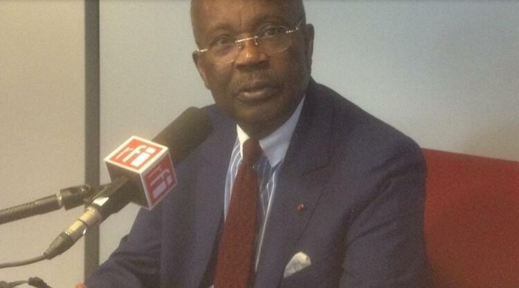 (rfi.fr)Gabon: décès de Casimir Oyé Mba, ancien Premier ministre d'Omar Bongo