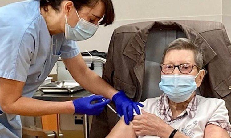 (observateurcontinental)France: vaccination obligatoire pour le personnel soignant aujourd'hui