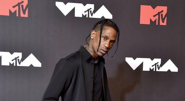 (mouv.fr)Travis Scott remporte le Vidéo Music Awards et annonce que son album arrive bientôt