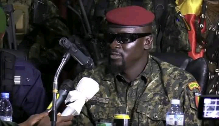 (Visionguinee.info)Le colonel Doumbouya aux syndicalistes : ''Vos nombreuses revendications sont souvent en total déphasage avec les réalités économiques''