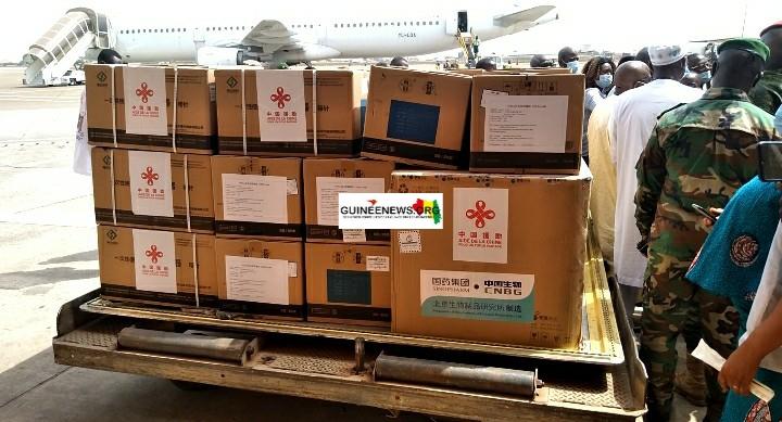 Riposte au Covid-19  la Guinée réceptionne ses premiers vaccins chinois(guineenews.org)