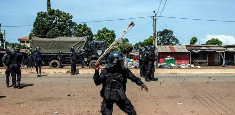 (rfi.fr)Les États-Unis inquiets de la situation des droits de l'homme en Guinée