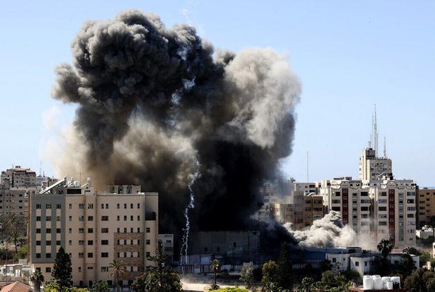 (HuffPost)Nouvelles frappes aériennes d'Israël sur Gaza, 10 membres d'une famille tués