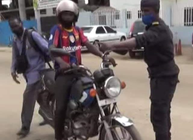 (Guineenews)Kaloum interdite aux motos-taxis : cette mesure qui provoque l'ire des usagers