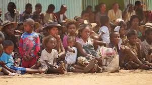 (rfi.fr)Le Programme alimentaire mondial s'alarme pour Madagascar.