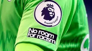 (rfi.fr)Le foot anglais boycotte les réseaux sociaux pour dénoncer le racisme.