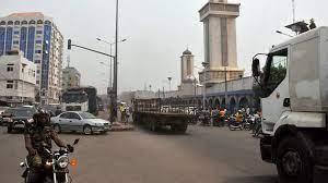 (rfi.fr)Bénin: l'auteur présumé de la tentative de coup d'État au Niger a été remis aux autorités de ce pays.