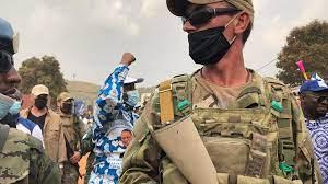 (rfi.fr)En Centrafrique, des victimes des exactions russes brisent la loi du silence.