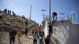 (rfi.fr)Ceuta: Vox fait l'amalgame entre les musulmans et les Marocains.