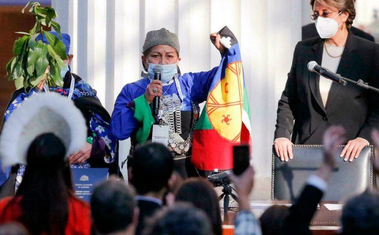 (rfi)Chili: Elisa Loncon Antileo, une universitaire mapuche à la tête de l'Assemblée constituante