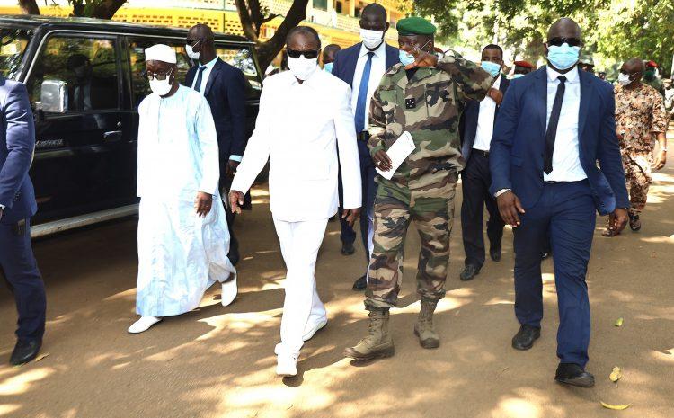 Alpha Condé a instruit le ministre la Défense de réaliser une étude sur les constructions réalisées et en cours dans les camps militaires (Conseil)