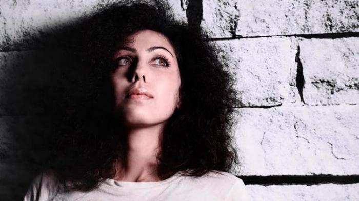 (reggae.fr)La chanteuse Mirna sur un riddim de Kubix