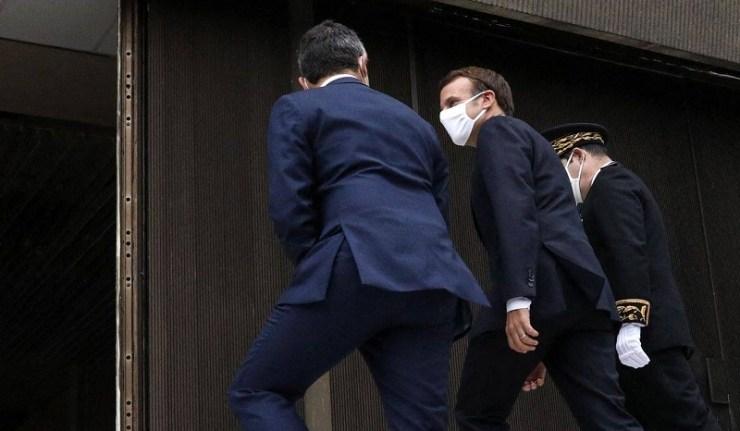(Reseauinternational)La dictature de Macron comme à la parade
