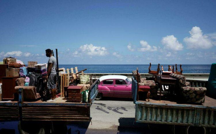 (rfi)Cuba se prépare au passage de la tempête Elsa, des habitants évacués par crainte d'inondations